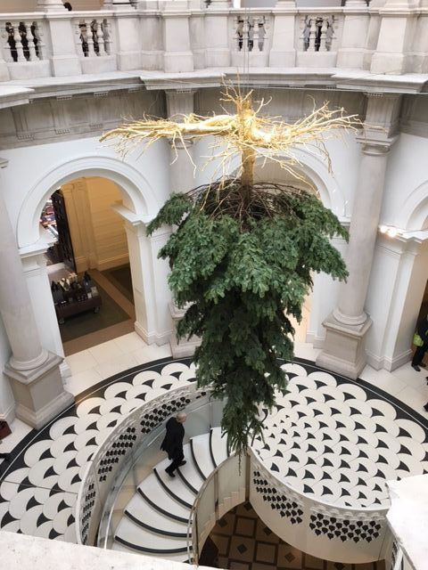 Housiary Christmas Tree sculpture services